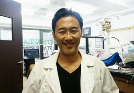 院長   歯学博士 歯科医師 前澤訓 (前ザワサトシ)